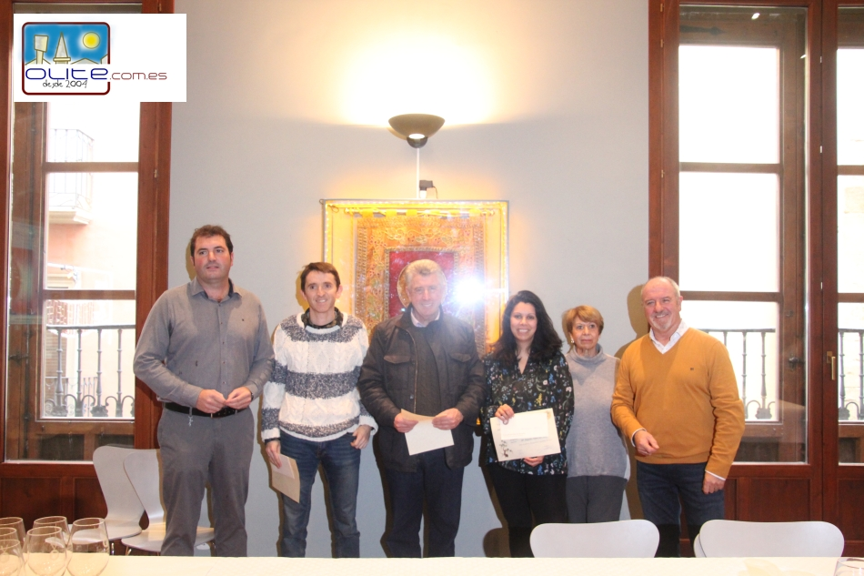 Olite.La Cofradía del Vino entrega los premios de su concurso Fotográfico de la Fiesta de la Vendimia.