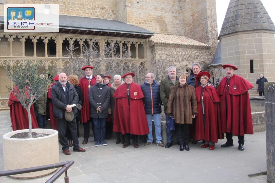 Olite.La Cofradía del Vino de Navarra entrega los premios del Certamen Literario en el Palacio de Olite