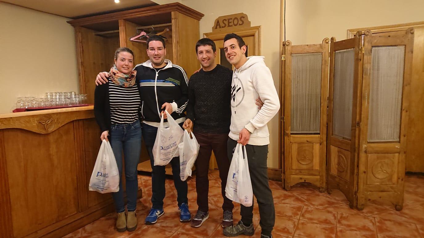 Olite.David Gurrea y Ruben Llorente ganadores esta semana del Mus en Casa del Preboste