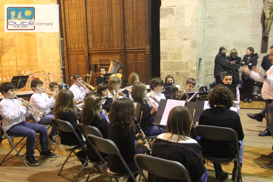 Olite.Concierto del Coro Clave de Sol y la Bandica en la Iglesia de las Clarisas