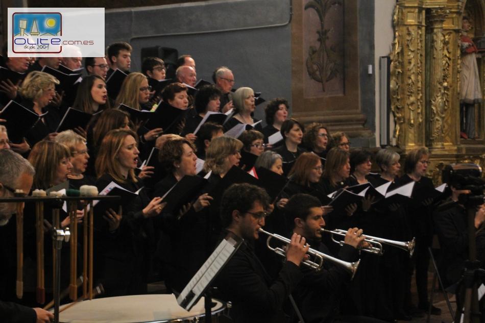 Olite.Más de 70 voces en el concierto de primavera de la Coral