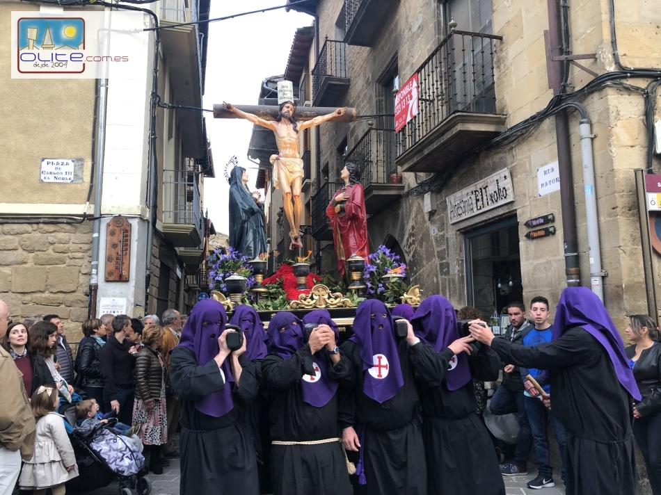 Olite.La Procesión del Santo Entierro recorre las Rúas de Olite