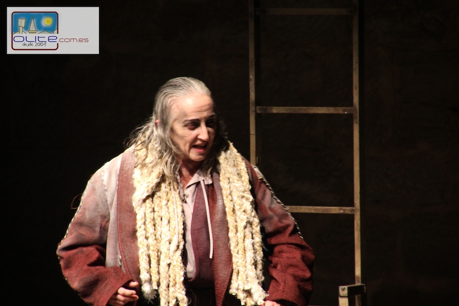 Olite.23 grados para presenciar la obra El Rey Lear de Willian Shakespeare