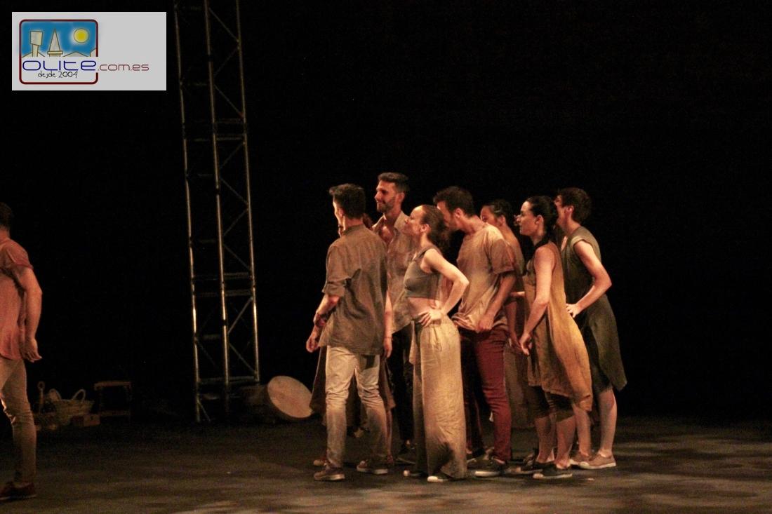 Olite.La tradición y la danza llenan de magia Olite gracias a un nuevo espectáculo del Festival de Teatro