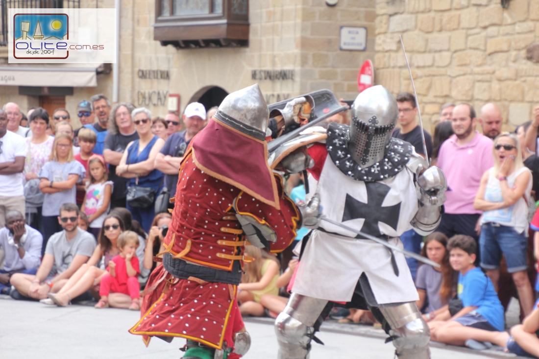 Olite.Combates entre caballeros en la Plaza, uno de los platos fuertes de las Fiestas