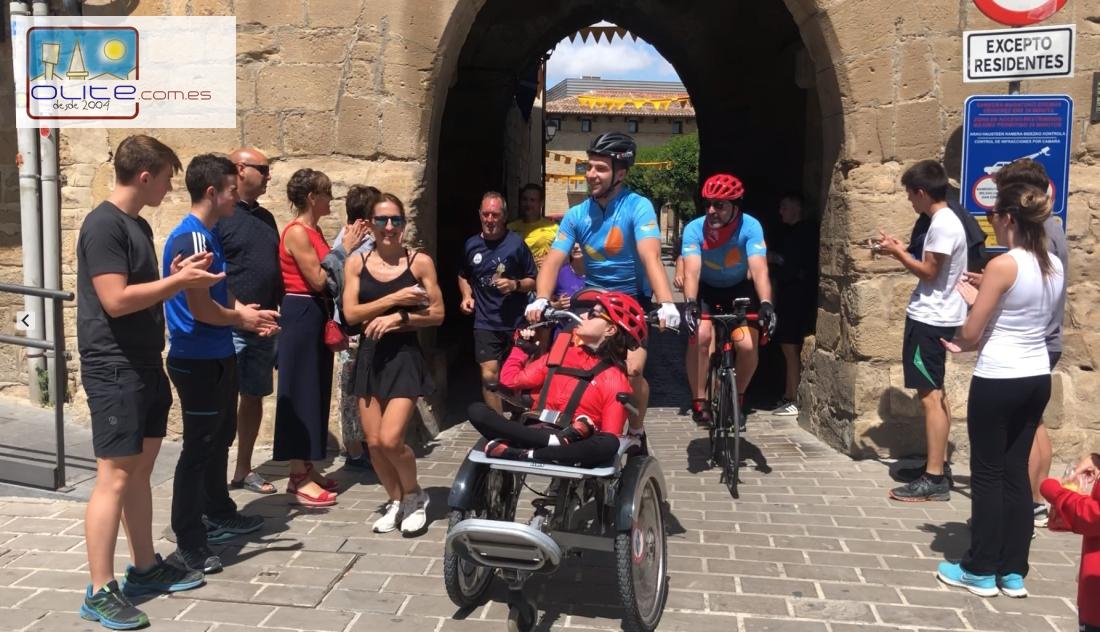 Olite.El equipo LVDVS España paso por Olite en su Travesía Roncesvalles- Tudela