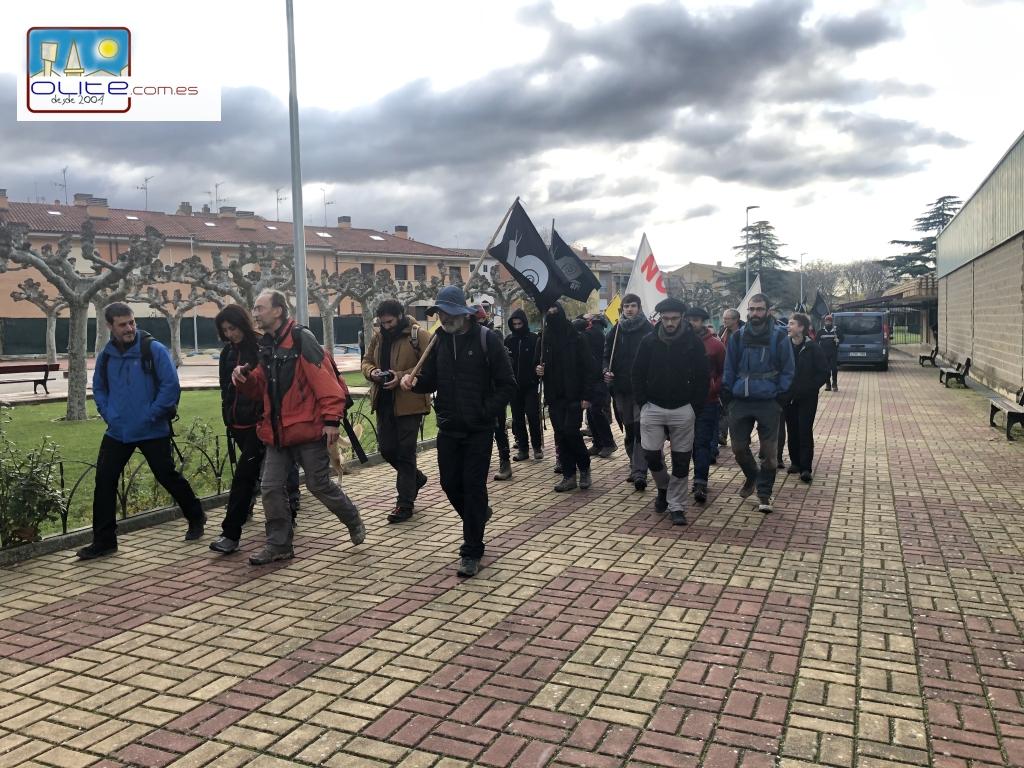 Olite.Mugitu! Mugimendua, hacen noche en Olite en su marcha Anti-TAV