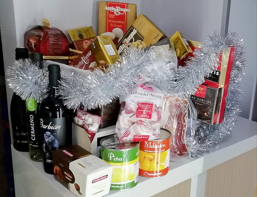 Olite.Un año más, el gimnasio Mundo-Sport sortea entre sus clientes las típicas cestas navideñas.