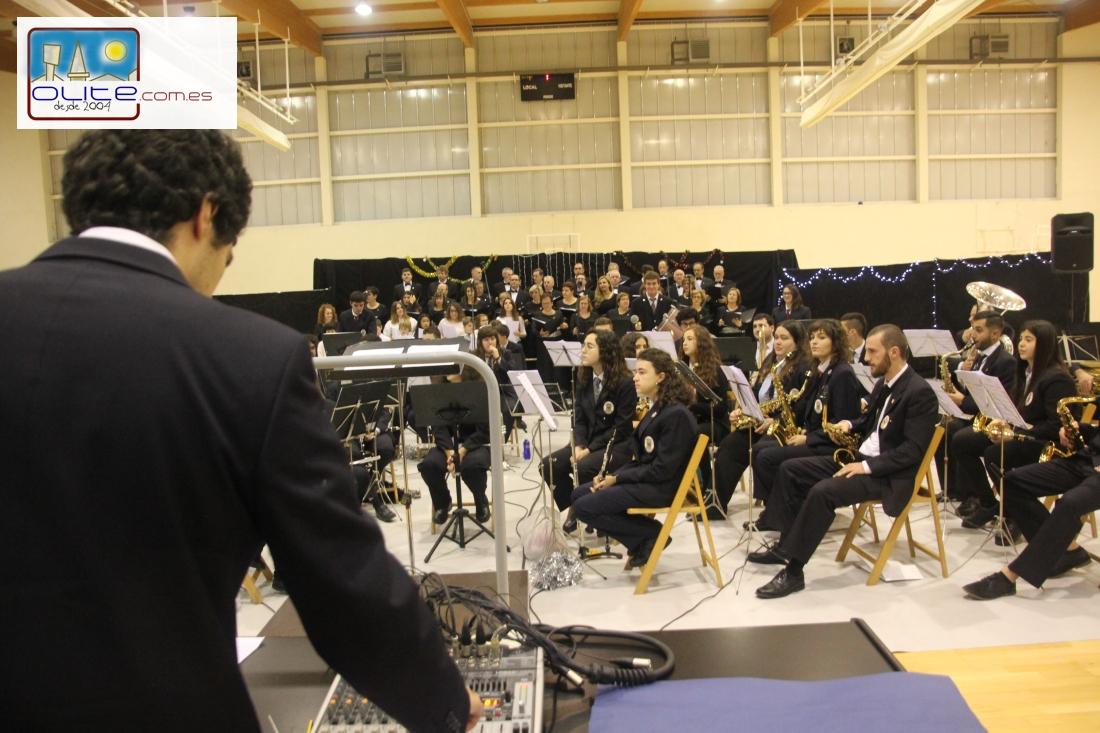 Olite.La Banda de Musica junto a la Coral Olitense ofrecieron un fantástico Concierto de Navidad
