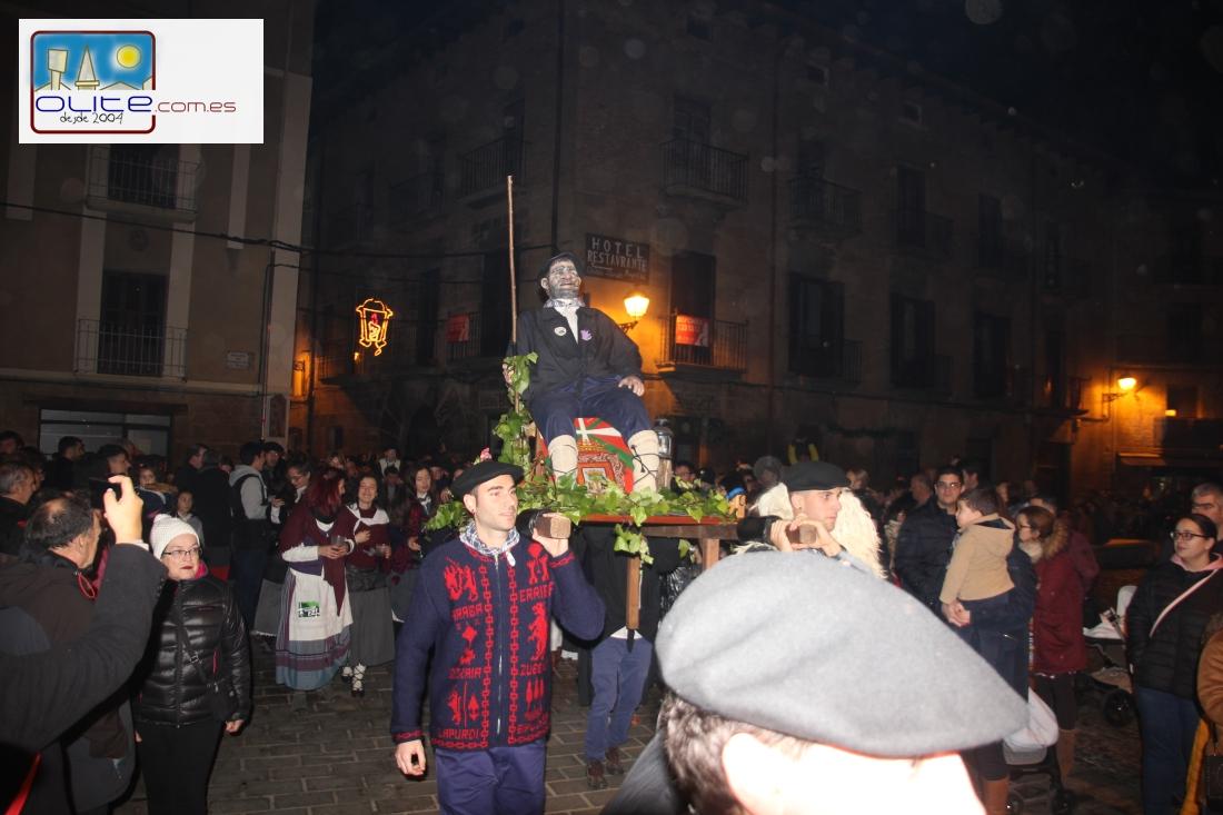 Olite.El Olentzero recorre las Ruas de Olite en la tarde de Nochebuena