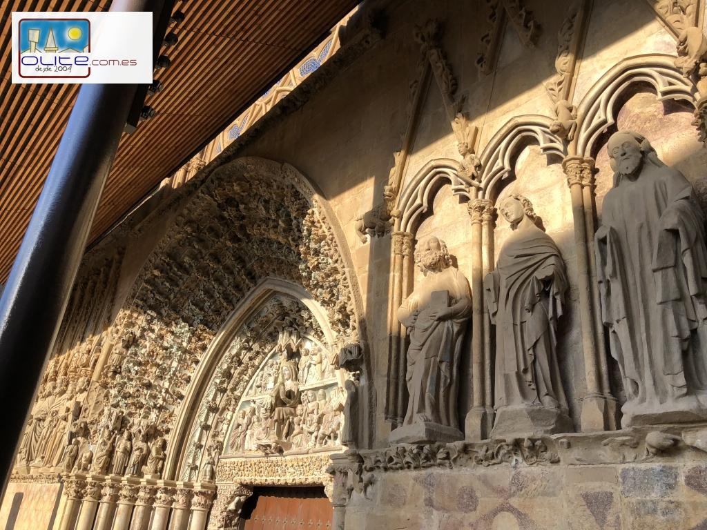 Olite.Hoy 30 de Diciembre Javier Corcin presenta el Libro sobre la Portada de Santa María