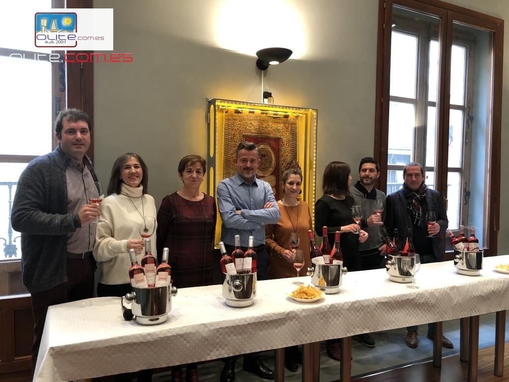 Olite.La Cofradía del Vino acoge la presentación de los Nuevos Rosados de Olite