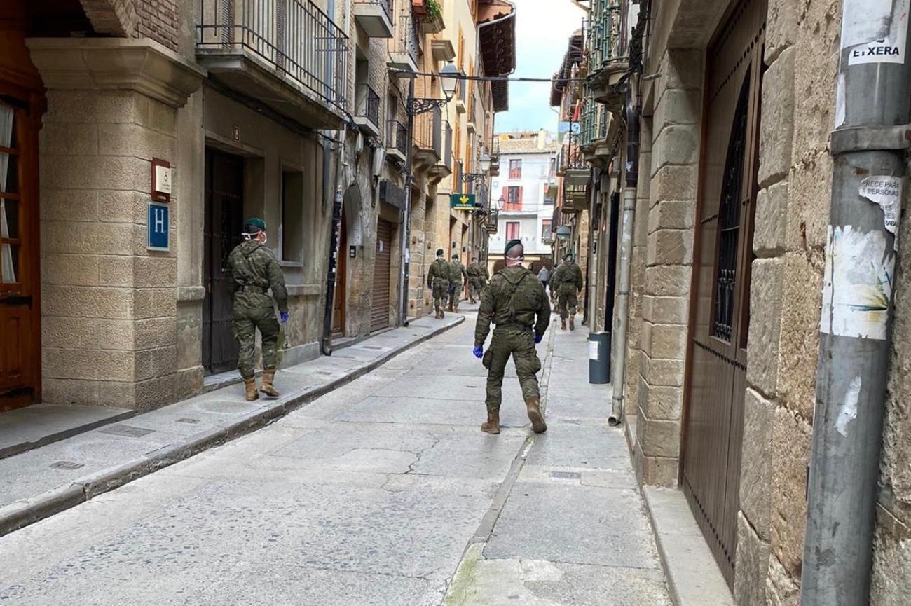 Olite.El Regimento de Infanteria America 66 de Ainzoain ha patrullado las Rúas de Olite
