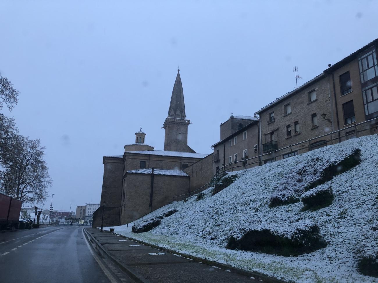 Olite.Olite amanece nevado a 31 de marzo