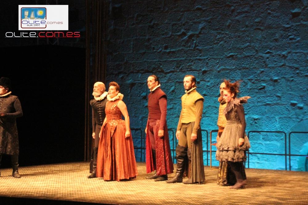 Olite.Aforo completo en la representación con la Representación de la Compañia de Teatro Clásico de Sevilla
