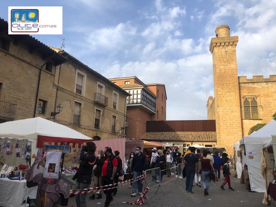 Olite.Olite recibe la visita de cientos de turistas esta Semana Santa