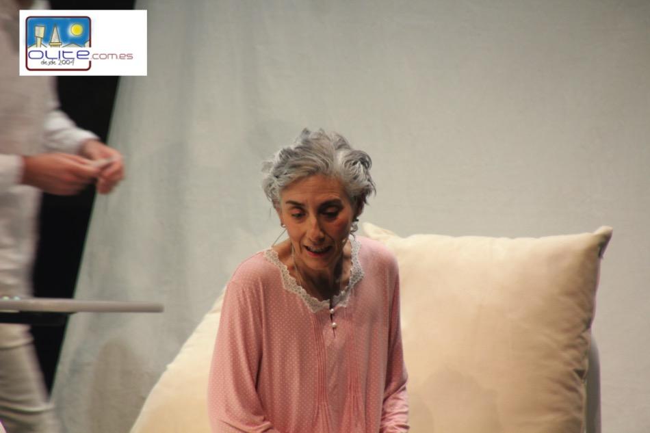 Olite.Marta Juaniz interpreta Vencidos, una obra de Iluna Producciones