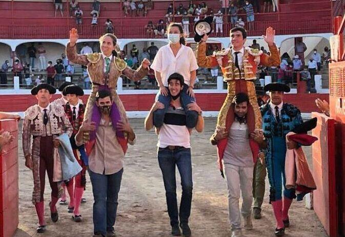 Olite.Las Hermanas Azcona triunfan en la Plaza de Aldeanueva de Ebro
