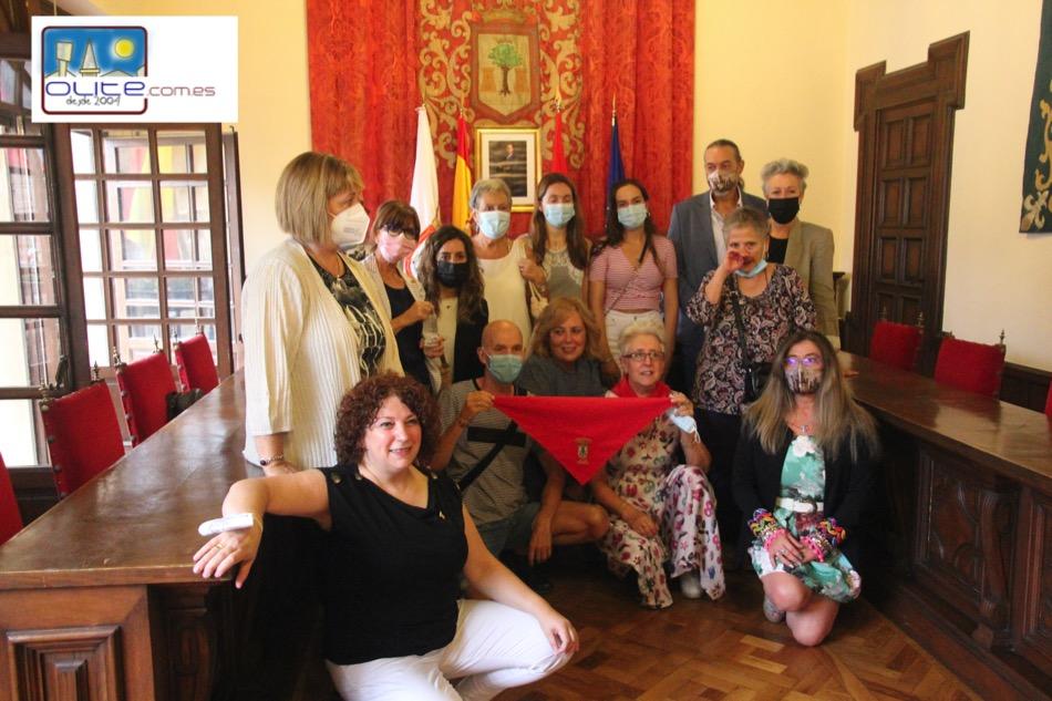 Olite.Los voluntarios en las vacunaciones por el Covid reciben el Pañuelo de Honor